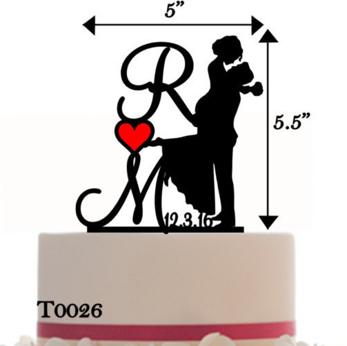 Свадьба - Custom Wedding Cake Topper Personalized Silhouette With Wedding Date - Initial - Keepsake - Couple Silhouette - Groom and Bride - Topper