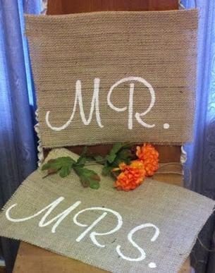 Mariage - Wedding Chair signs - 'Mr & Mrs' Burlap Chair Signs - hanging burlap signage for barn wedding, Rustic wedding chair signs, Mr and Mrs sign