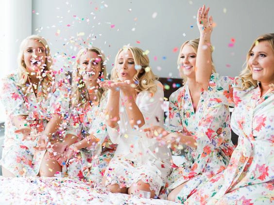 Свадьба - Bridesmaid Robes // Bridal Robe // Bride Robe // Bridal Party Robes // Bridesmaid Gift // Silky Robe // Satin Robe // Robe // Floral Robes