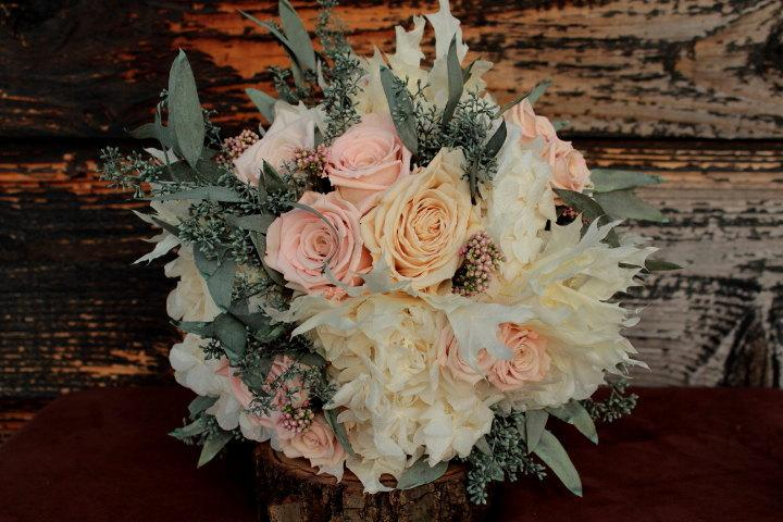 Свадьба - Pale Pink, Sage and Cream Wedding Bouquet, Cream and Pink Preserved Rose Bridal Bouquet, Dried Flower Bouquet, Hydrangea and Rose Bouquet