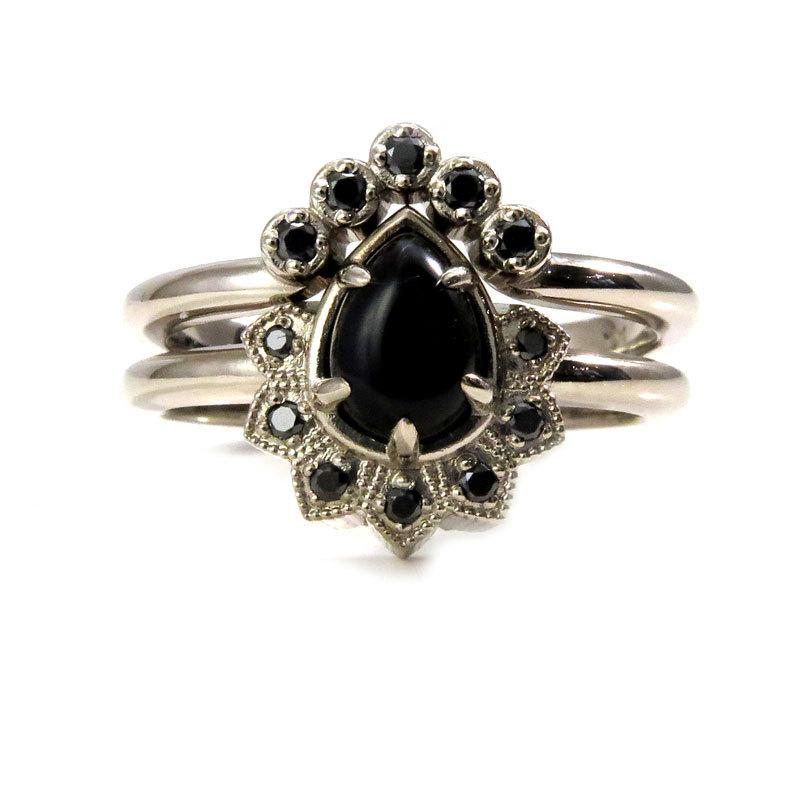 Mariage - Pear Onyx and Black Diamond Gothic Cluster Engagement Ring with Crown Wedding Band - 14k Palladium White Gold