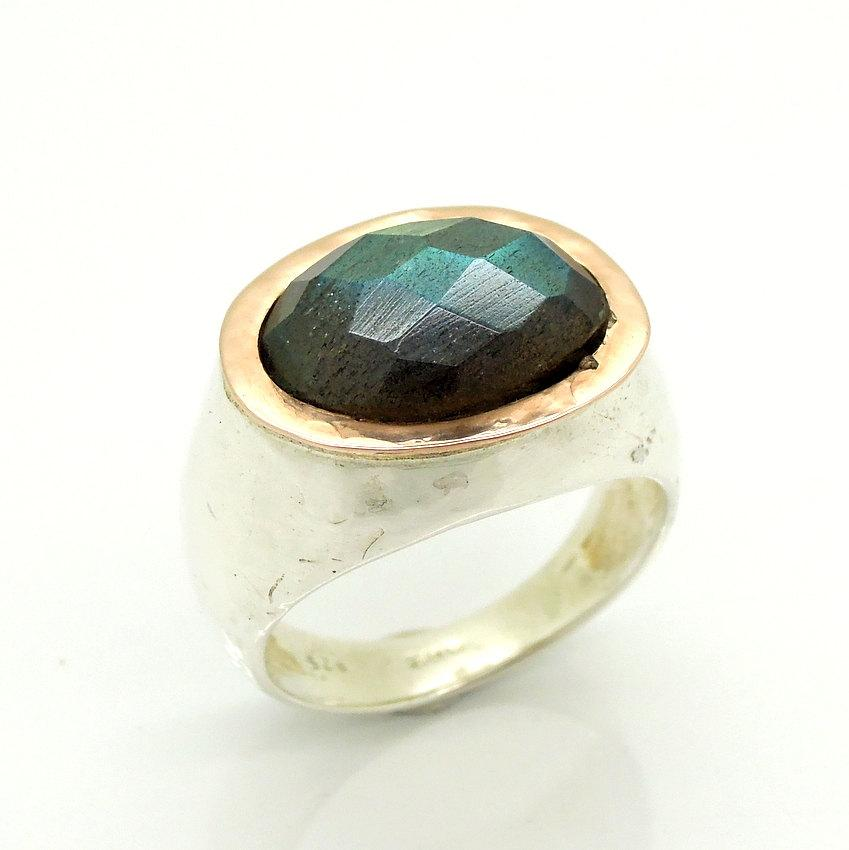 Свадьба - Labradorite ring in silver & rose gold hammered band