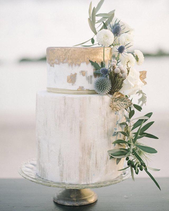 Wedding - • C A K E S •