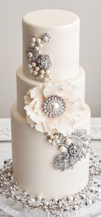 Hochzeit - Three Layered Gorgeous Cake