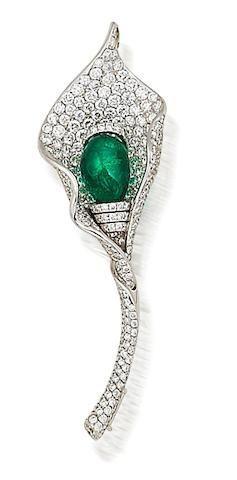 Hochzeit - An Emerald And Diamond Brooch/pendant