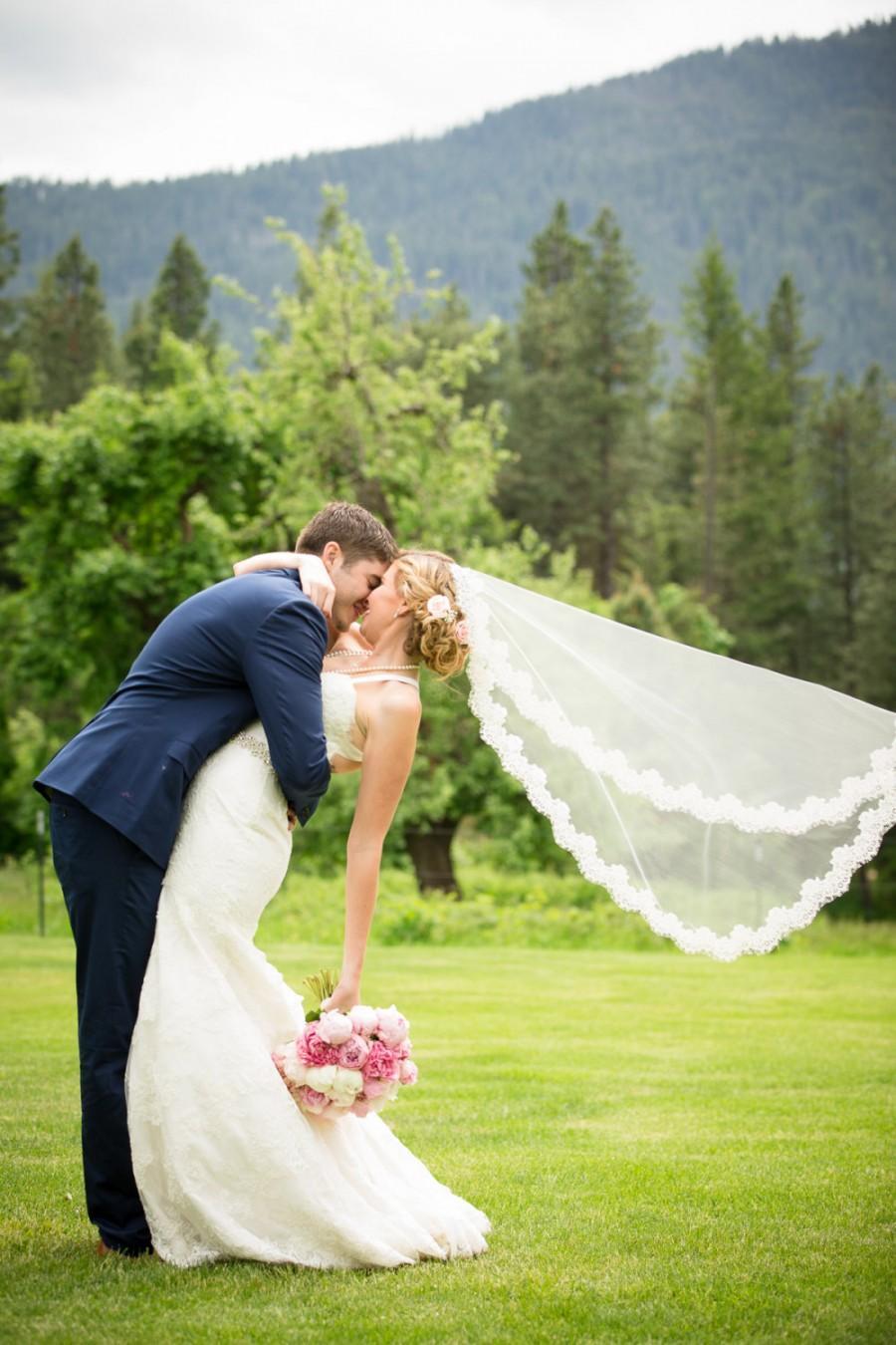 Hochzeit - Lace Wedding Veil - Mantilla - Fingertip Length - Wedding Veil - Ivory Lace Veil