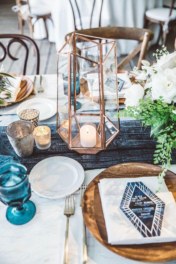 Hochzeit - 14 Geometric Wedding Table Decor Ideas
