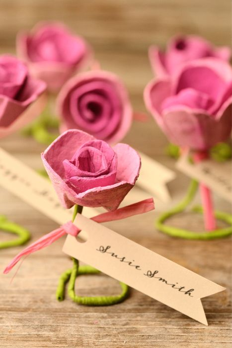 Hochzeit - Paper Roses: DIY Escort Cards