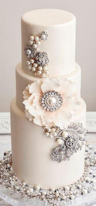 Wedding - Luxurious Wedding Cake