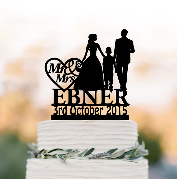 Mariage - Family Wedding Cake topper with boy, bride and groom silhouette personalized wedding cake toppers name, funny wedding cake toppers with date