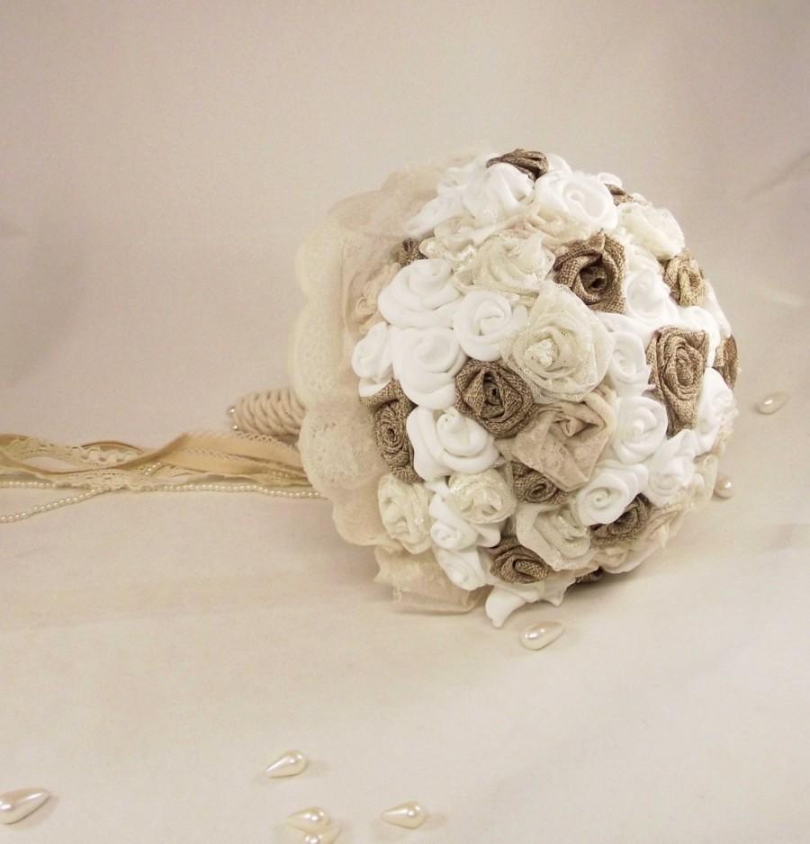 Mariage - Wedding Bouquet / Bridal Bouquet with roses, burlap bouquet, pearls, fabric flowers,  Ivory lace. Bridal Vintage Bouquet - Unique - Handmade