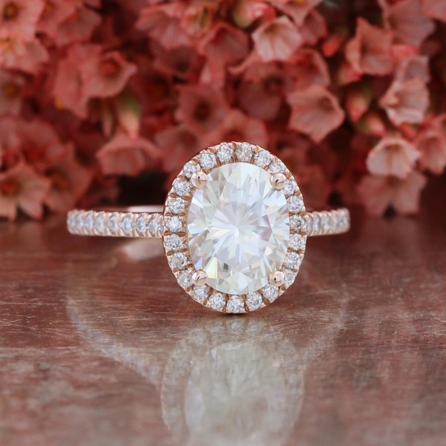 Mariage - Rose Gold Forever Brilliant Moissanite Engagement Ring in 14k Halo Diamond Wedding Band 9x7mm Gemstone Ring (Bridal Wedding Set Available)