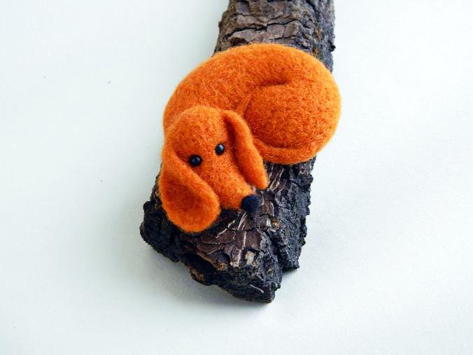 Nozze - Needle felted Dachshund Felt Miniature Dog Felted Art Doll Felted miniature Ornaments Home Decor Cute Gift for her Gift for Mom Merino Wool
