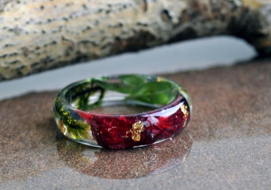 Свадьба - Carnation Flower Resin Ring, Nature Flower Ring, Burgundy Ring, Promise Ring, Bridesmaid gift, Nature engagement ring, Romantic Ring
