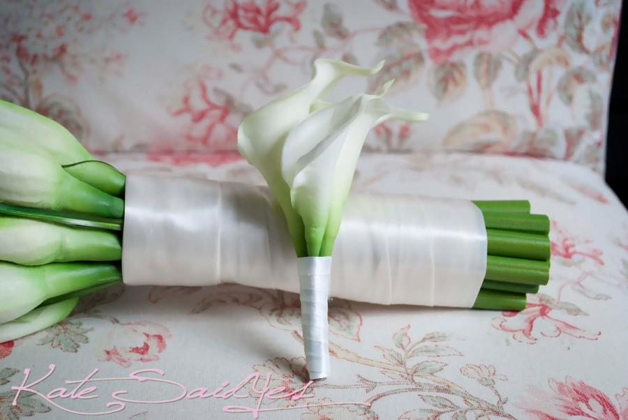 Свадьба - Ivory Calla Lily Boutonniere - Real Touch Wedding Boutonniere