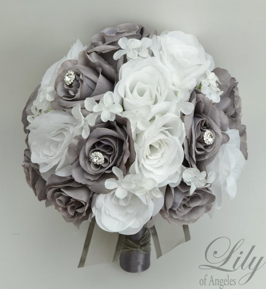 "Свадьба - 17 Piece Package Wedding Bridal Bouquet Silk Flowers Bouquets Artificial Bride WHITE GREY JEWELS Faux Diamonds ""Lily of Angeles"" GYWT01"""