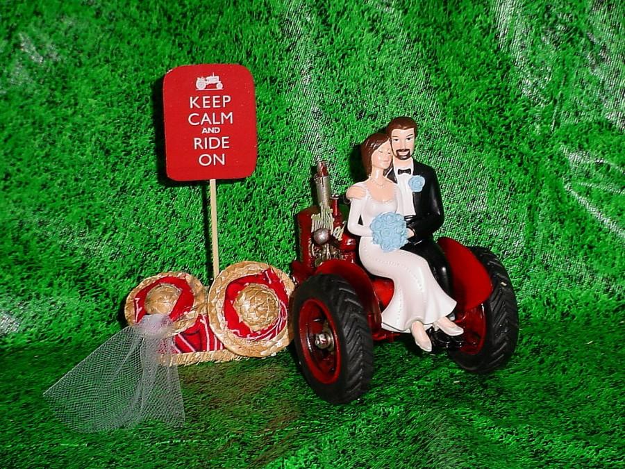 Свадьба - Tractor Farm County Outdoor Rustic Couple on Groom Wedding Cake Topper - Bride with Blue Flowers Themed  Mr Loves Mrs - REDTStyle3A