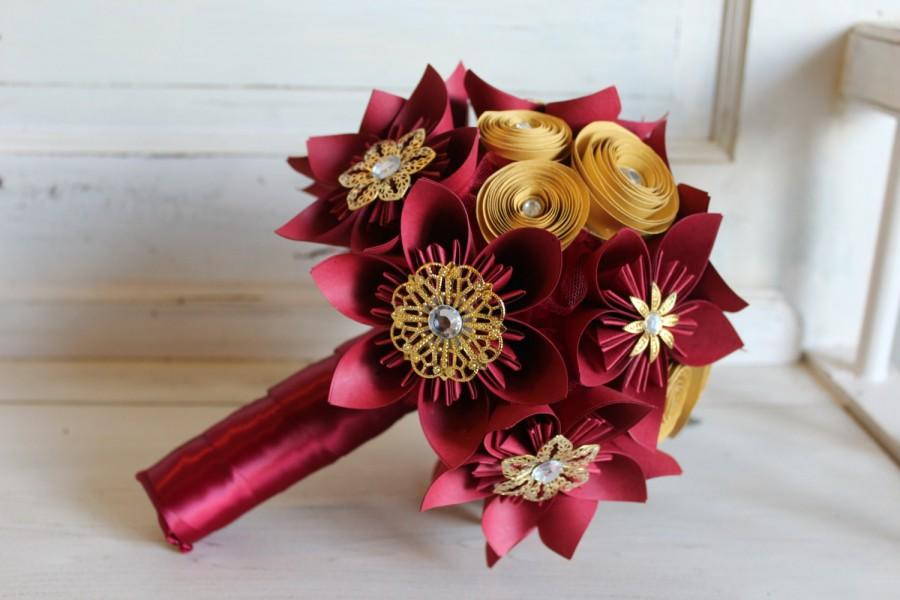 Hochzeit - Red and Gold Origami Bouquet - Paper Flowers - Gryffindor - Harry Potter Wedding - Bridal Bouquet - As seen on BUZZFEED
