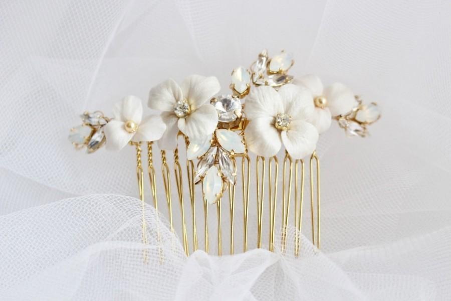 زفاف - Opal and Crystal Rhinestones with White Flowers on Gold Plated Haircomb  -  Bridal  Gold Haircomb - Wedding Floral Crystal Bun Ornament