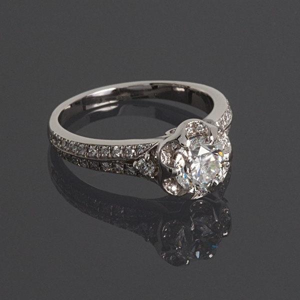 زفاف - Engagement ring, Halo engagement ring, Diamond ring, Halo diamond ring, Gemstone ring, Gold halo ring, Birthstone ring, White gold ring