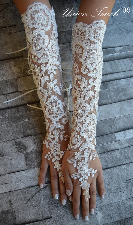 Mariage - Extra long ivory frame wedding glove, Bridal Glove, ivory lace cuffs, lace ivory gloves, Fingerless Gloves, bridal gloves