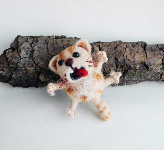 Wedding - Needle Felted Cat Brooch Wool Jewelry,  Miniature Cat Felted Kitten Art Doll Felt brooch Cute Gift ideas for Her