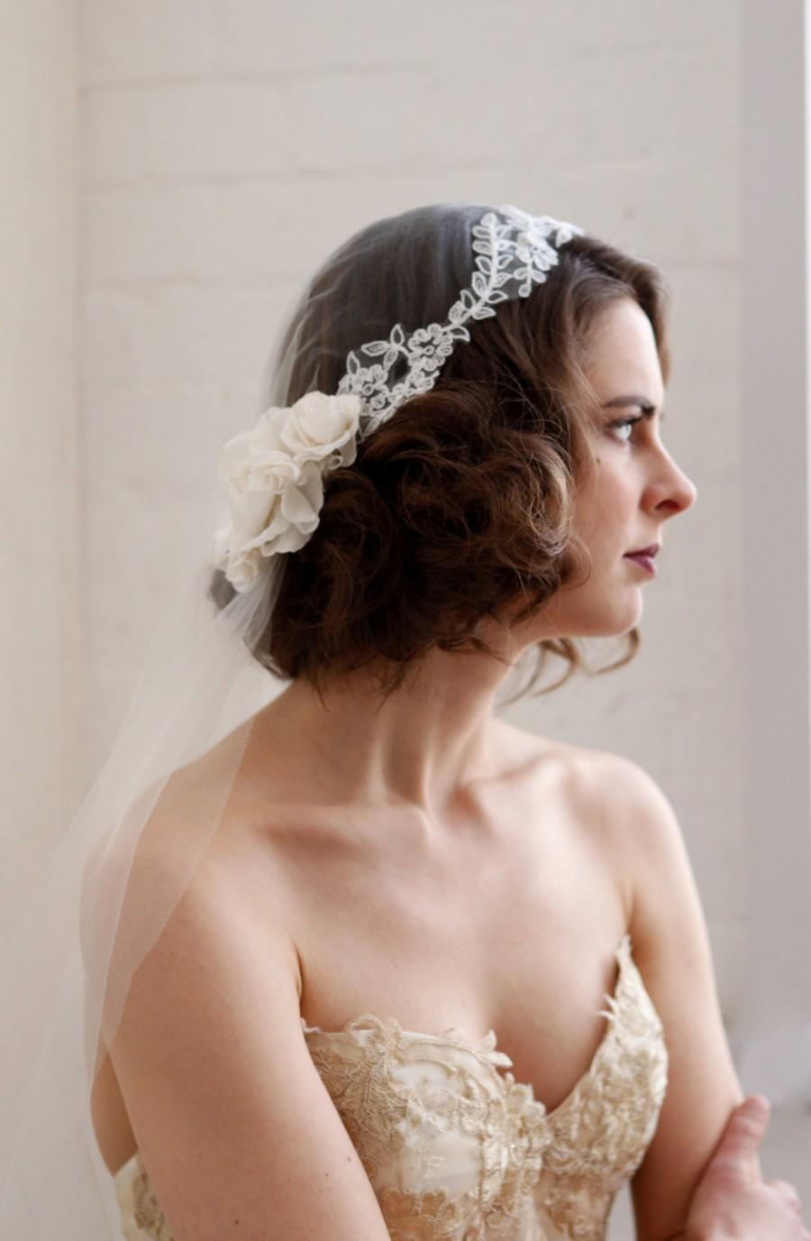 Свадьба - Juliet Cap wedding veil with lace trim. Vintage style Bridal veil, ivory cap veil fingertip length, champagne cap veil chapel length