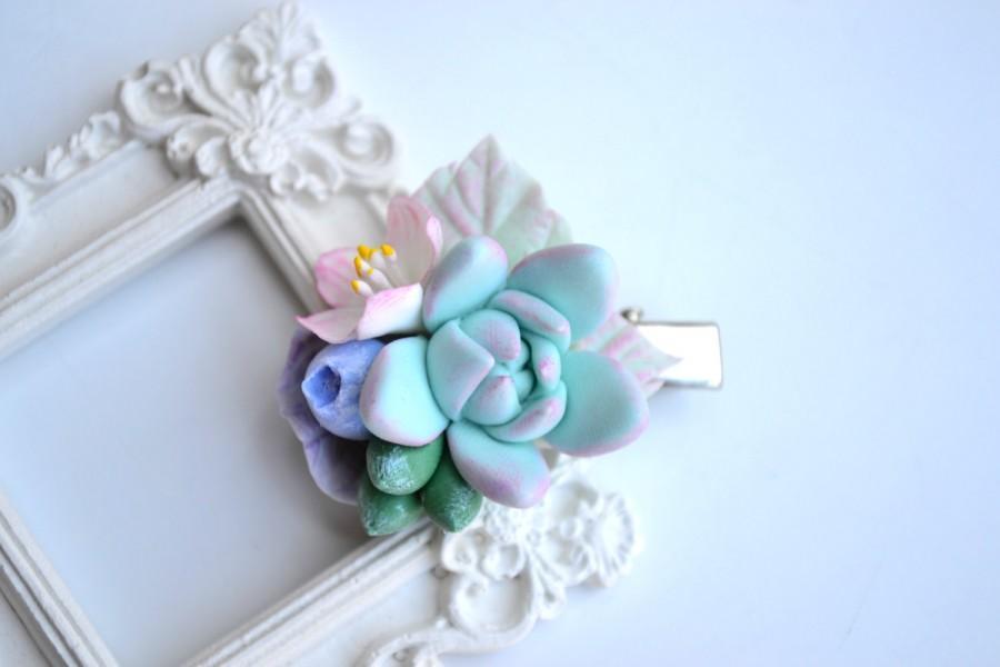 Mariage - Wedding bridal succulents apple blossom blueberries flower floral hair clip. Mint succulent sakura hair clip. Shebbi chic wedding hair clip