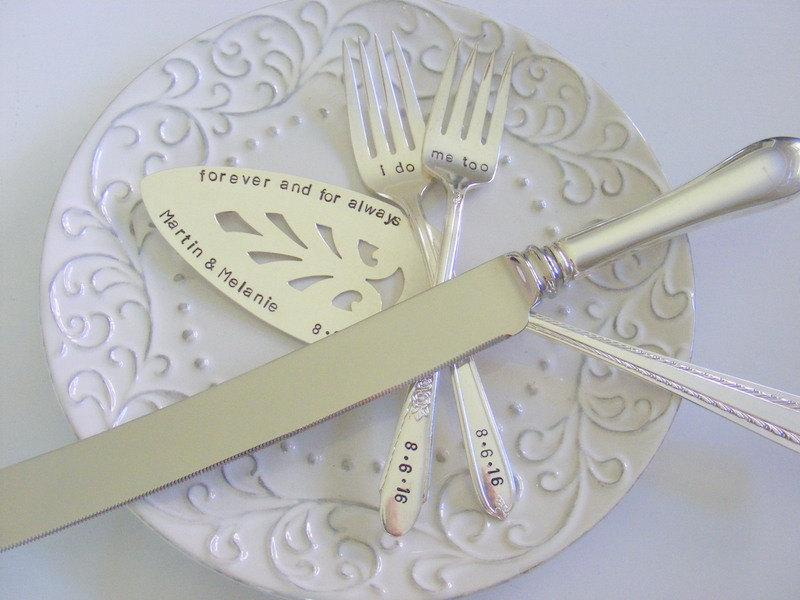 زفاف - Wedding Cake Server Fork and Knife Set Hand Stamped Cake Server And Knife Set