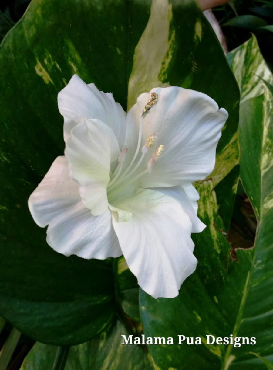 """Mariage - TROPICAL HAIR CLIP - Silk Hibiscus, Headpiece, Beach, Hawaiian, White """"Real Touch"""" Flower, Bridal, Natural Size, Formal, Beach Wedding, Luau"""