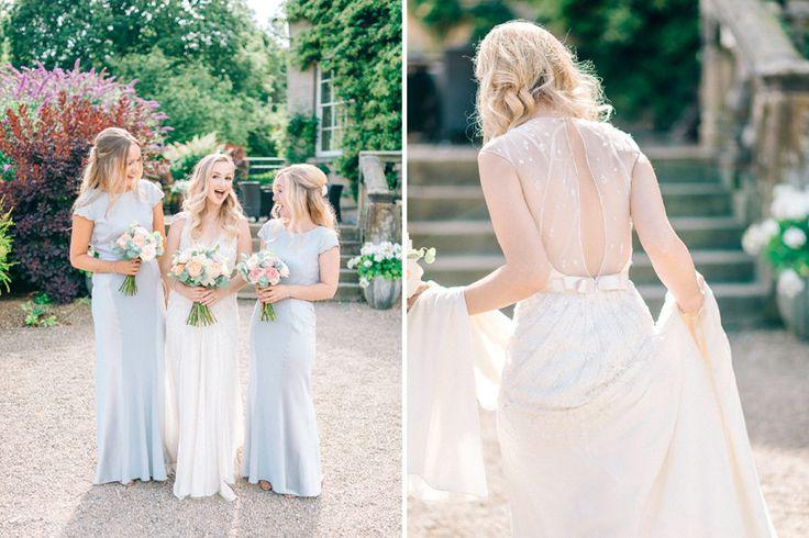Mariage - Middleton Lodge Outdoor Pastel Wedding With Preloved Jenny Packham