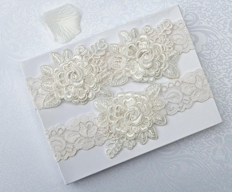 Wedding - Wedding Garter Set, Bridal Garter, Off White Lace Garter, Keepsake and Toss Garter, Wedding Garter, Flower Garter, Wedding Garter Belt