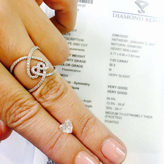 Mariage - 1.03 carat beautiful Heart shaped diamond, H color , Si2 clarity, IGI certifictae. for Valentine's Day gift jewelry design