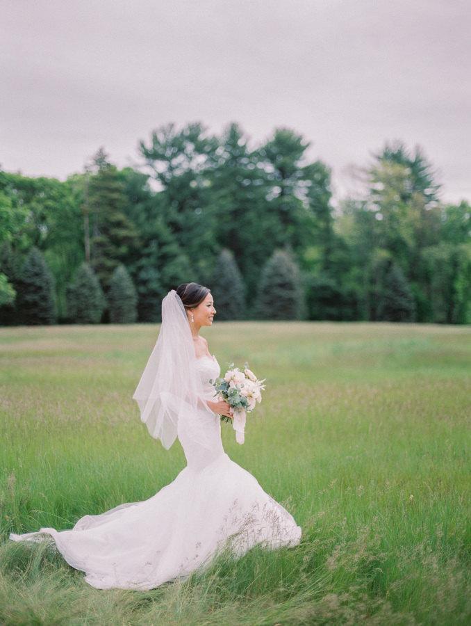 Свадьба - Fingertip length Wedding Bridal Veil white, ivory, Wedding veil bridal Veil Fingertip length veil bridal veil cut veil