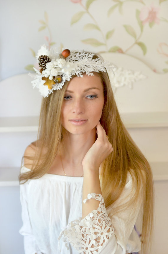 Wedding - Winter crown Bridal headpiece winter wedding crown Pine cone hair accessory white Christmas hair Snow Queen Christmas wedding headband