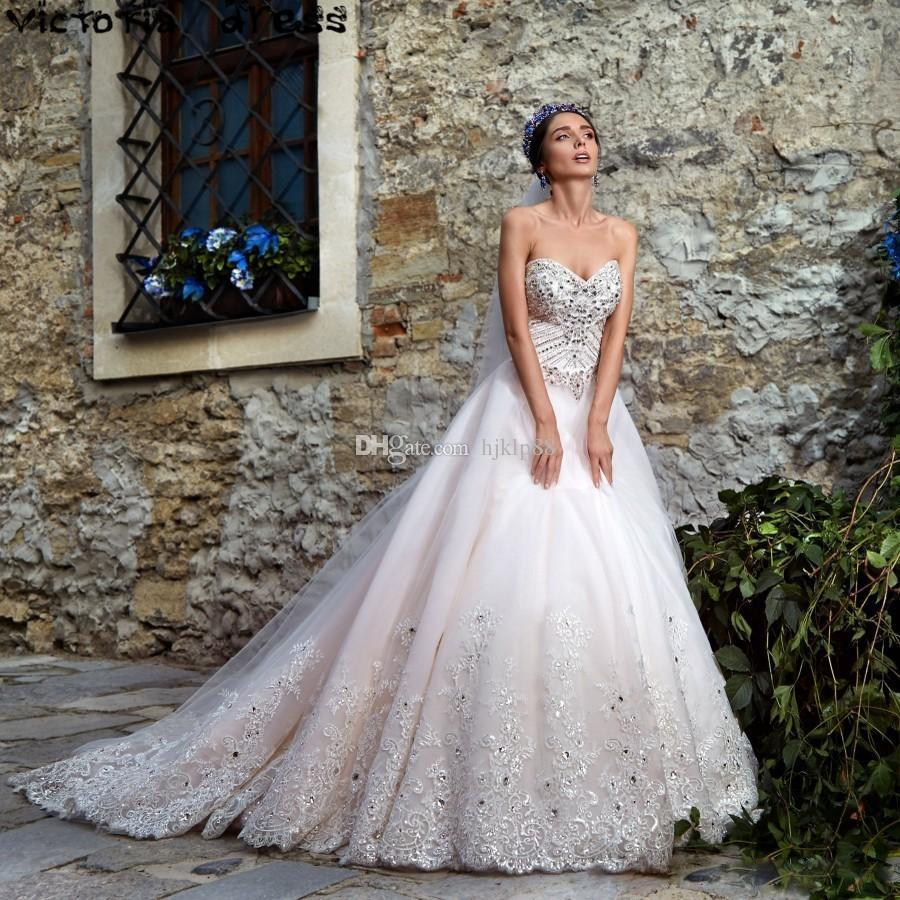 2017 sweetheart luxury crystal wedding dresses vintage a for Vintage beaded lace wedding dress