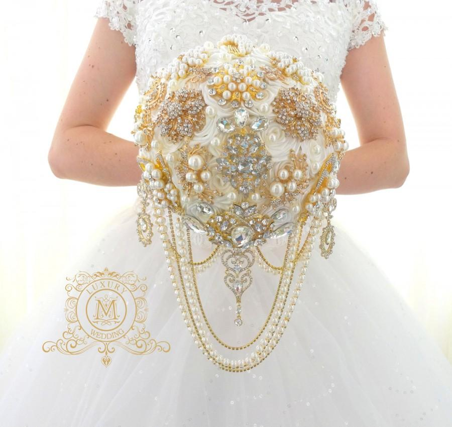 "Wedding - READY TO SHIP 8"" Gold Brooch bouquet. Luxury pearl , gold jeweled broach bouqet by MemoryWedding Luxury"