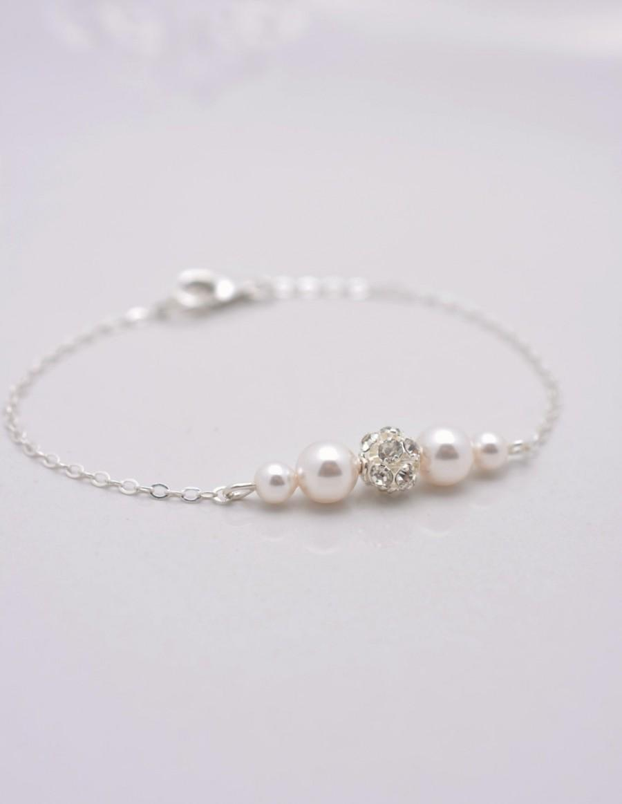 Mariage - Set of 5 Pearl and Rhinestone Bracelets, 5 Bridesmaid Pearl Bracelets, Pearl and Crystal Bracelets, Pearl and Sterling Silver Chain 0224