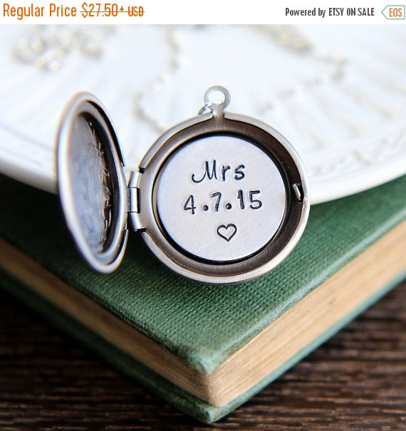 Wedding - SALE Mrs Necklace, Mrs Locket, Personalized Locket, Bridal Shower Gift, New Bridge Gift, Wedding date necklace, Honeymoon Necklace, Wedding
