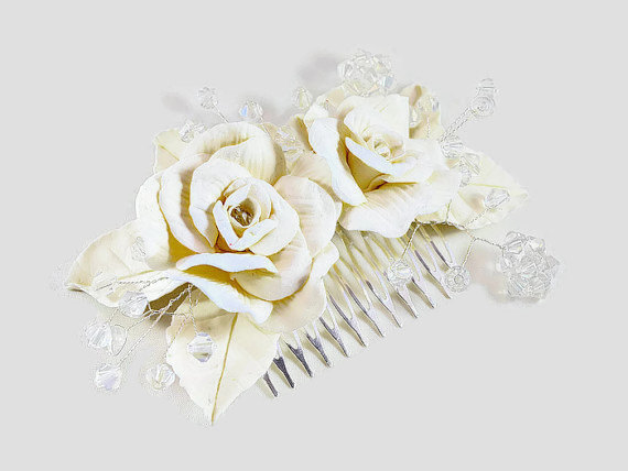 Mariage - Rose hair flowers, Bridal headpiece in Ivory, cream or white, Floral hair accessory, Wedding hair flowers, Bridal hair comb hair adornments