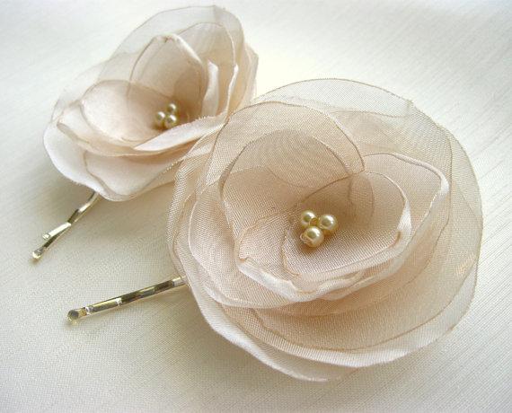 Свадьба - ivory flower hair pin, bridal accessory, brides flowers, bridesmaid gift