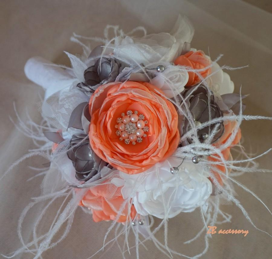 Mariage - Coral Salmon grey white bouquet, bridal brooch bouquet, toos bouquet, handmade flower bouquet, Wedding bridesmaid bouquets with feathers