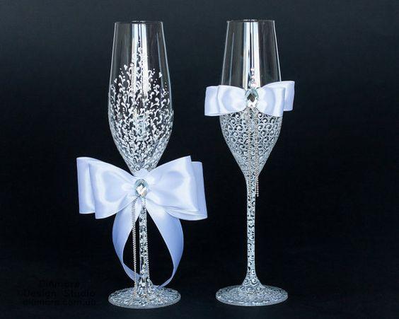 mr mrs wedding glasses 2644050 weddbook