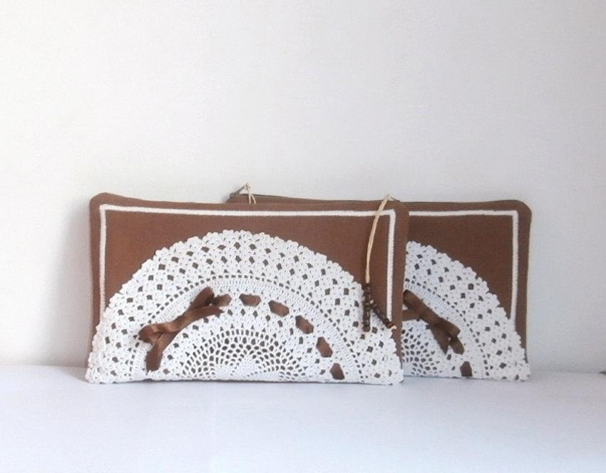 Mariage - Set of 2 brown linen & vintage white crochet cotton doily zipper clutch, handmade bag, Bridesmaid gift bag, bridesmaid clutch
