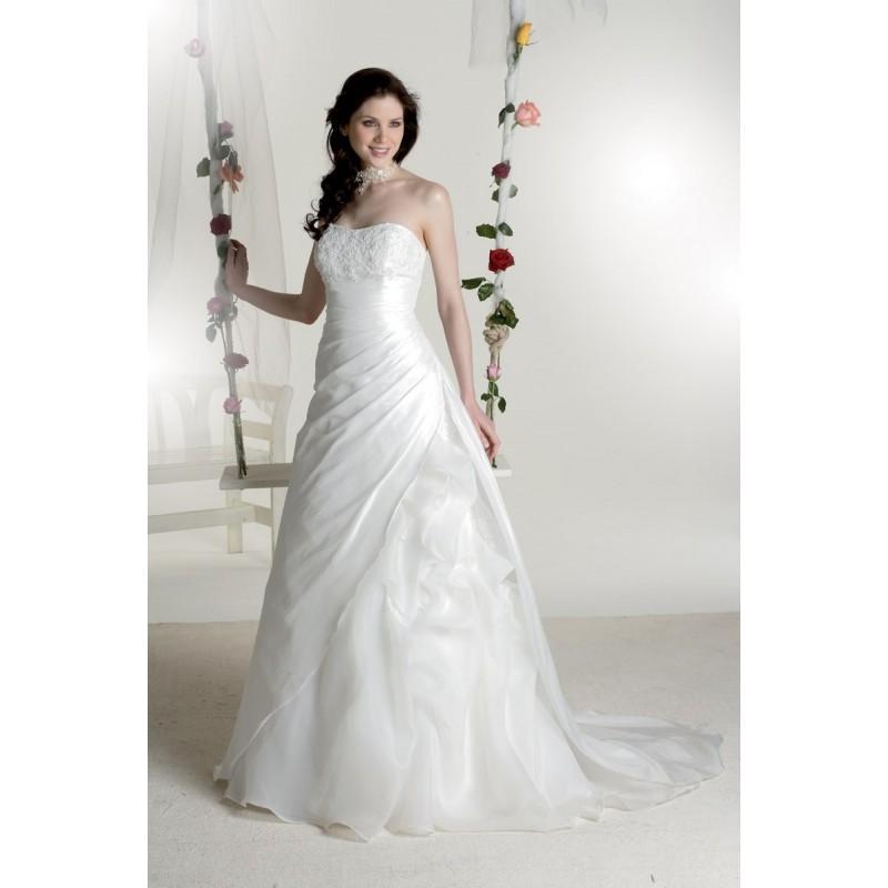 Wedding - Sacha Novia, Tea - Superbes robes de mariée pas cher