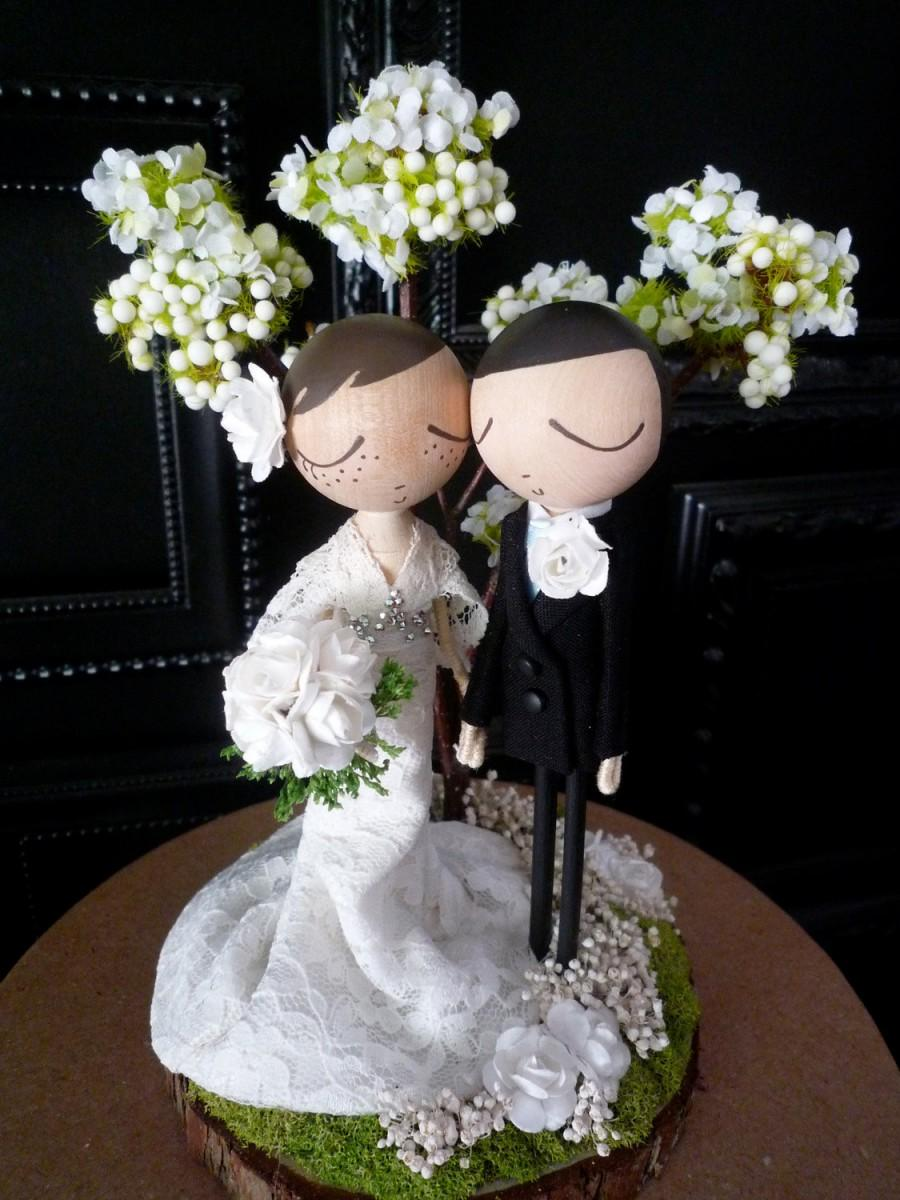 Hochzeit - Wedding Cake Topper with Custom Wedding Dress and Tree Background - Custom Keepsake by MilkTea