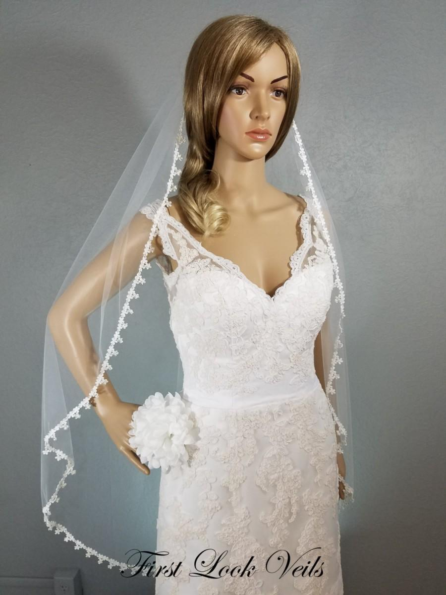 Свадьба - White Wedding Veil Fingertip, Lace and Glass Bead accessory, Lace Bridal Veil, Bridal Accessory, Crystal Veil, Floral Veil