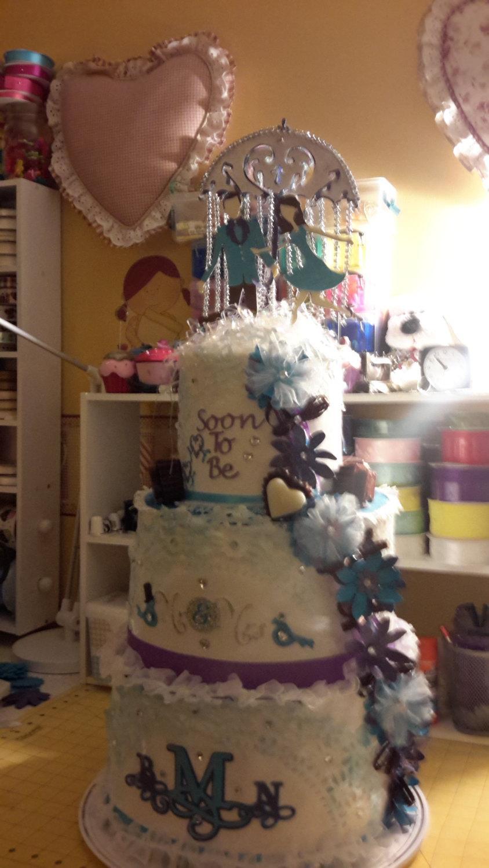 Hochzeit - Bridal Shower Ideas, Bridal Shower Decoration, Wedding Decoration, Hatbox Wedding Cake, Hat Box Cake, Towel Cake, Bridal Cake, Shower Cake