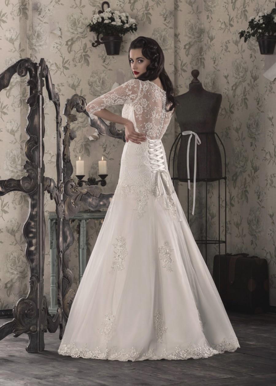 زفاف - Elegant White/Ivory Mermaid Wedding Dress Lace up, Gown that Features Illusion Neckline, Designer Wedding Dress with Sleeves  027