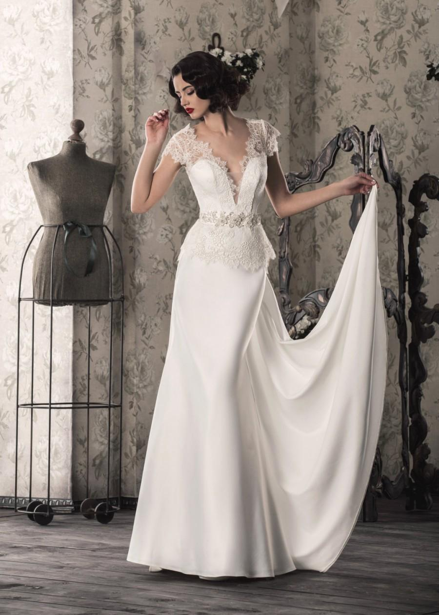 Свадьба - White/Ivory Wedding Dress with Lace up,V-Cut,Features Illusion Neckline,Designer Wedding Dress,Romantic Wedding Dress,Buy Online 012